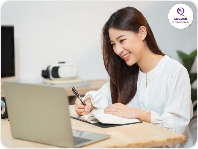 Nhớ kiểm tra lại sau khi viết xong bài luận tiếng Anh